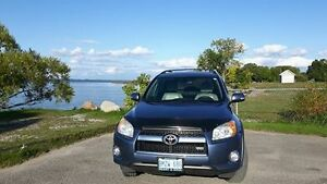 Rav 4 Limited 4W4 with over 2500 dollars in tires