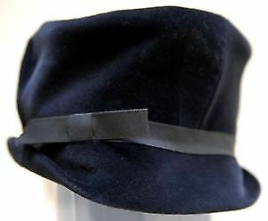 Vintage designer Jerry Yates lady's black hat
