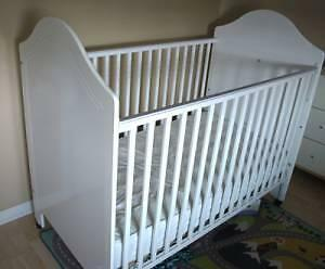 Storkcraft baby crib with mattress - white with bear design
