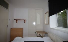 Good value Studio at Baytree Road, Brixton. Victoria line tube. 7 minutes central London