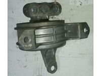 Vauxhall Astra Mk5 O/S Front Engine Mount (2005)