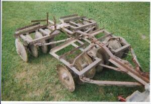 FARMALL, I am looking to buy equipement and tractor