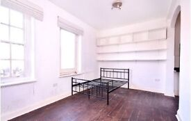 Stunning STUDIO flat with a massive TERRACE (like from 'Friends')