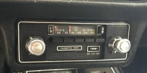 Ford Mustang AM FM stereo cassette player