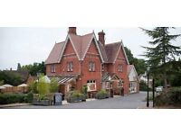 Full and part time bar and waiting staff positions available in Berkshire