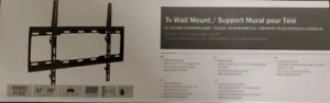 One size fits all! Universal TV wall mount.