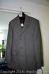 New With Tags Mens Jacket And Sweater SZ 40 - A