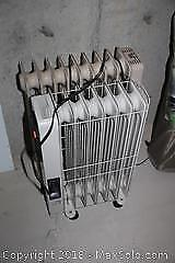 Solaray And Delonghi Space Heaters-C