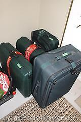 4 Pieces Of Luggage - B