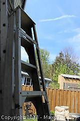 Aluminum Step Ladder. A