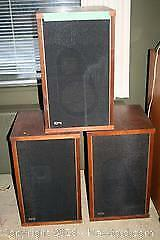 3 EPI Speakers and record player