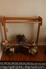 Large Oak Quilt Rack And Decor B