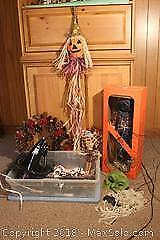 Autumn And Halloween Decor A