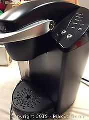 Keurig Coffee Maker With Coffee And Accessories