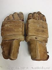 Vintage Toronto Leafs Doug Laurie Hockey Gloves