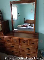 Dresser With Mirror C