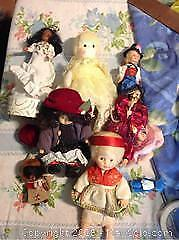 10 Dolls And Music Boxes