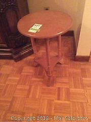 Round Wood Table A