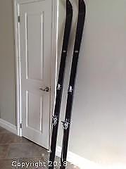 1965 HART Standard Skiis