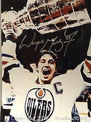 Licensed Wayne Gretzky Autographed Picture A
