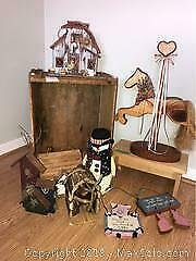 Birdhouses And Wooden Items A