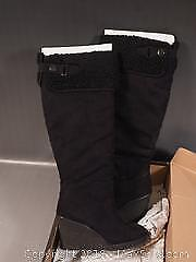 NEW Le Chateau Long Winter Boots. Size 8. $129.95 Original price