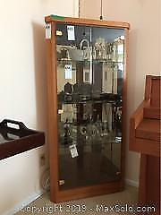 Curio Cabinet Buy And Sell Furniture In Stratford Kijiji Classifieds
