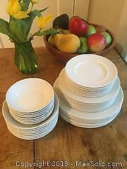 ATHENA Johnson Bros. Dinnerware