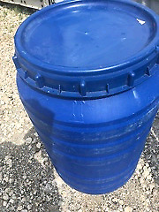 Brand New Poly Barrels With Lids For Sale