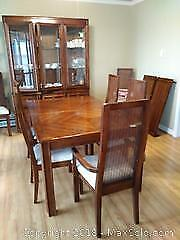 Strathroy Dining Table and Chairs C
