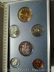Royal Canadian Mint 1993 Specimen Proof Set Of Canadian Currency Coins.