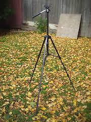 Excellent Condition: Camera/Video Adjustable Tripod/Stand