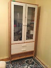 Display Cabinet B