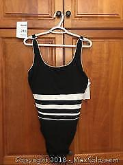 Brand New Ladies TYR Bathing Suit / Swimsuit Size 18