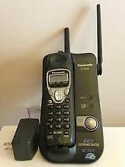 PANASONIC (KX-TG2215) 2.4 GHz CORDLESS PHONE