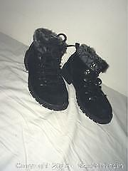 Girls Boots Size 5.