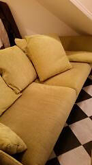 Superb Settee/Sofa