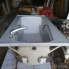 Jaccuzi Type Bath Tub