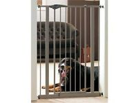 TALL SAVIC STRONG DOG GATE AS NEW