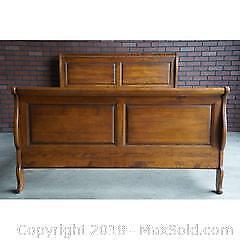 Ethan Allen Solid Wood Queen Size Sleigh Bed