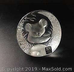 MATS JONASSON Swedish crystal incised or impressed image of Kola Bear