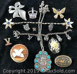Lot of Mixed Vintage Jewelry