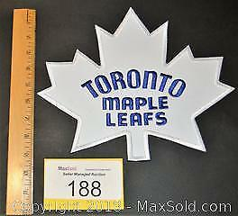 TORONTO MAPLE LEAFS large embroidered jacket hockey crest.