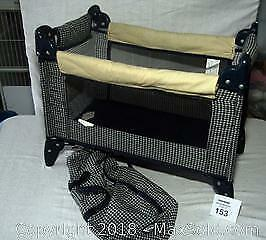 Graco baby doll collapsible play pen
