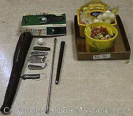 """6 Piece Golf Club Set, Mini Putt and Accessories Pick up in Time-slot """"A"""""""