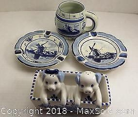 Lot of original famous Delft blue pottery