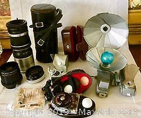 COLLECTION OF VINTAGE CAMERA EQUIPMENT