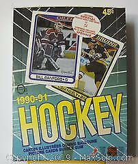 O Pee Chee 1990 - 1991 Hockey picture cards bubble gum 36 count including rookie cards.