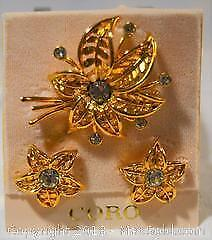 Costume jewellery, stamped CORO, vintage BROOCH / PIN and EARRINGS set. Gold tone