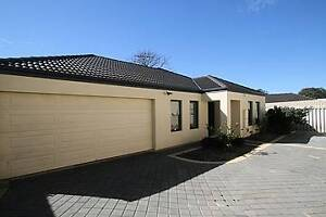 3X2 BEAUTIFULLY PRESENTED HOME - FRESHLY PAINTED - DOUBLE GARAGE Yokine Stirling Area Preview